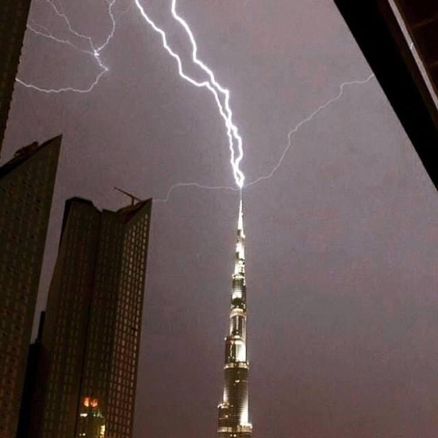 Lightning sliced the sky, and thunder rolled. Pic courtesy of futureofdubai.com